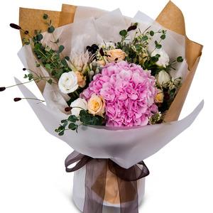 핑크 수국 꽃다발